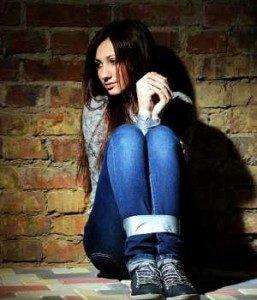 victimas-de-delitos-sufren-estres-postraumatico-300x350-257x300